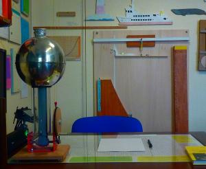 Physik-Arbeitstisch